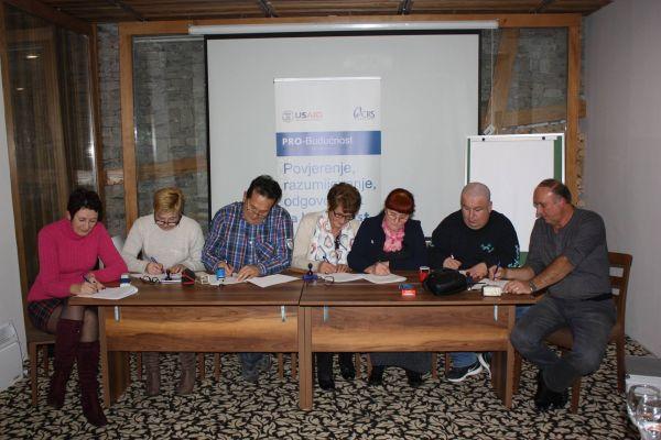Šest udruženja žrtava rata potpisalo Platformu za mir