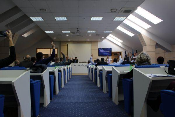 """Narodi BiH za stabilan mir: Općinsko vijeće Gračanica usvojilo """"Platformu za mir"""""""