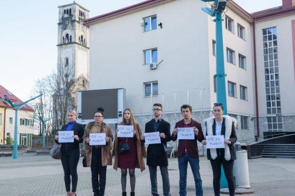 Omladinski aktivisti traže odgovore na stvarne probleme