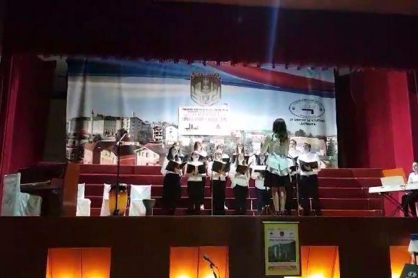 Noć duhovne muzike svih naših vjera: Pravoslavni, islamski, katolički i jevrejski horovi zajedno pjevali u Derventi